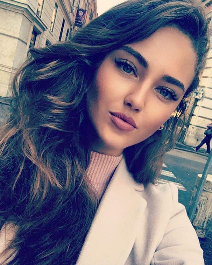 """Kristina Krayt on Instagram: """"Чтобы ваше лицо выглядело ярче, необходимо подчеркнуть красоту бровей и ресниц. 👁👁Мои девочки из @_bebeauty_ помогают мне справиться с этой задачей. Выразительный взгляд -это не только красивые глаза от природы, но и умелый подход хороших мастеров!🎯 #хлопайресницамиивзлетай 🐰"""""""