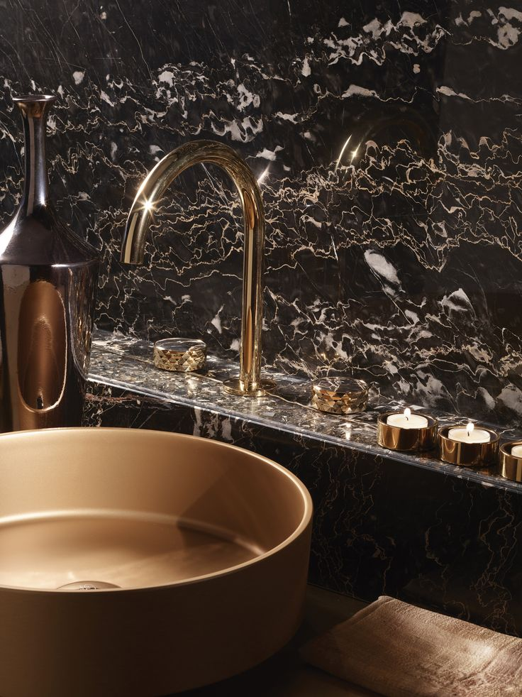 Texture Collection - Meneghello Paolelli Associati design #fimacarlofrattini #fmacf #texturecollection #bathroom #rubinetteria #design #faucet #lavabocannagirevole #3holesbasinmixerswivelspout #gold #luxury