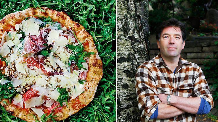 Ananas har aldri noe på en pizza å gjøre, og du må bruke riktig mel; utover det har Villa Paradisos Jan Vardøen ingen regler for pizzabaking. Men mange gode tips han villig deler med seg.