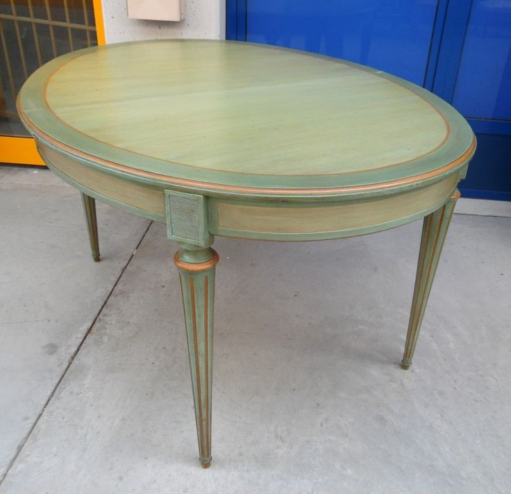 Tavolo ovale allungabile stile Luigi XVI fine '800 laccato a metà '900