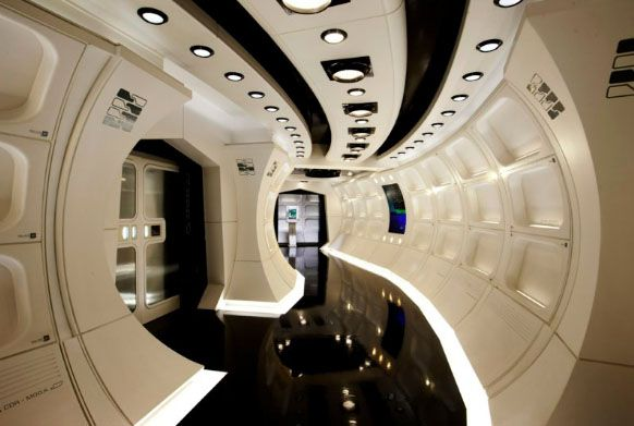 Star Trek Into Darkness: USS Enterprise corridor #startrek #starships #jjabrams