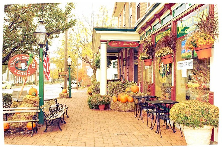 Downtown Strasburg, Pennsylvania in Lancaster County ...