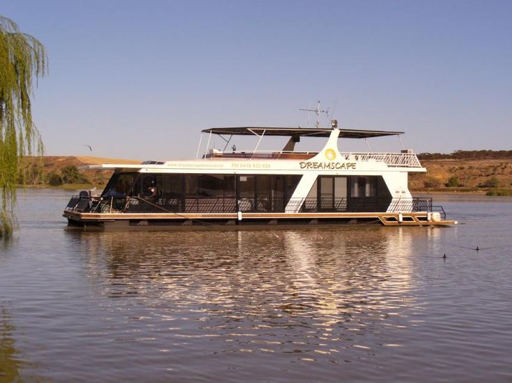 Kia Marina - Houseboat Hire = Mannum South Australia