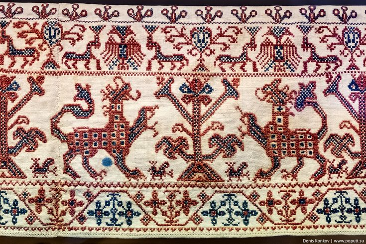 Традиционный орнамент Стярой Рязани в вышивке.
