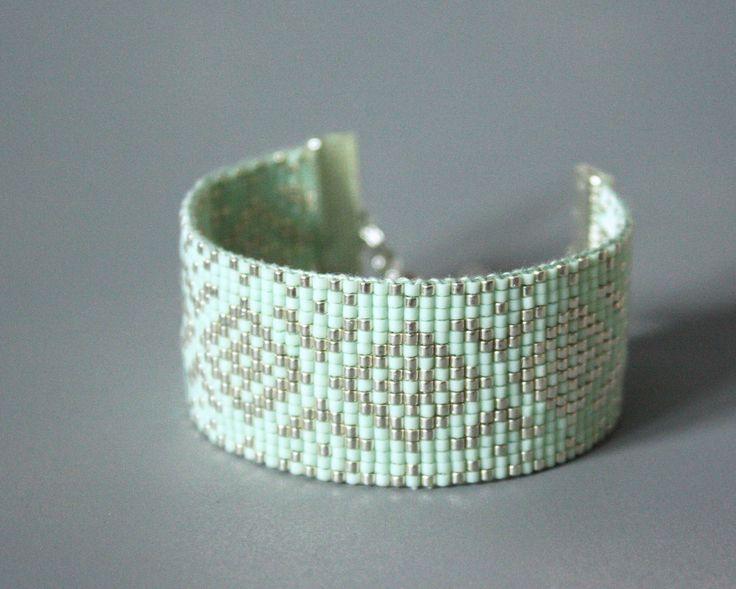 BRACELET TISSÉ PERLES MIYUKI / ARGENT, VERT D'EAU / FIL DMC VERT D'EAU : Bracelet par tadaam-bracelet