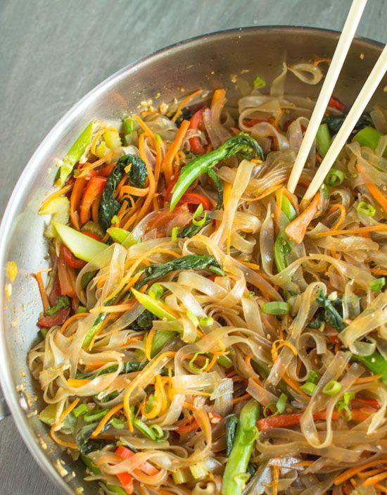 Vegetable Stir Fry Mung Bean Noodles | healthynibblesandbits.com #vegan #vegetarian #recipe