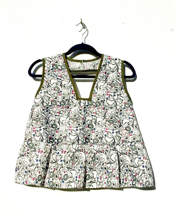 Dekolteli ve Desenli Cropped Bluz Zet.com'da 79.90 TL