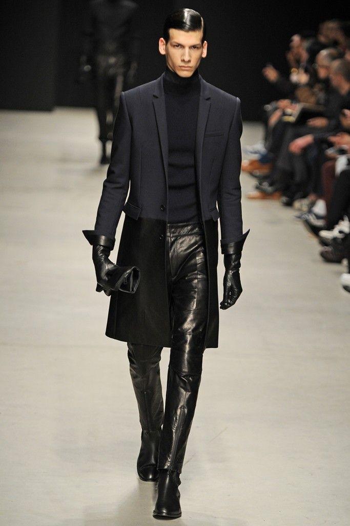 Leather, Shiny, technical. taffeta type, but not boring. Futuristic, fluid texture. extreme warp effects. Juun.J Men's RTW Fall 2014