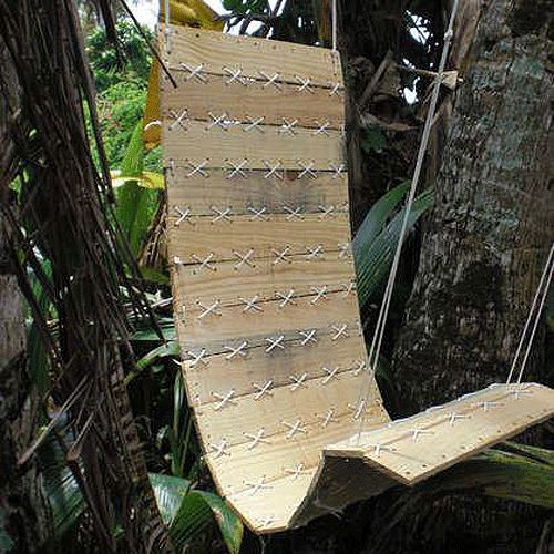 Pallet Swing Chair - could totally see this as a cool indoor feature as well.