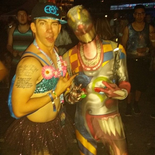 beautiful edc outfit guys 12