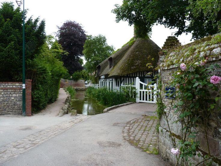 Красивая деревня Veules-Les-Roses. Нормандия, Франция. Обсуждение на LiveInternet - Российский Сервис Онлайн-Дневников