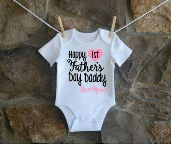 Happy 1st father's day Daddy onesie https://www.etsy.com/listing/289045299/happy-first-fathers-day-daddy-onsie-baby