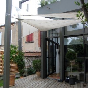 195 best deco exterieur images on pinterest gardens - Voile d ombrage retractable ...