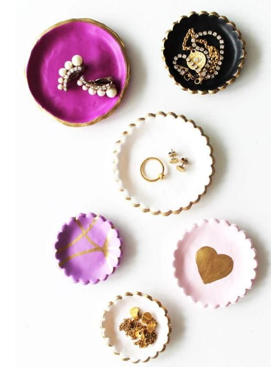 If your jewelry pieces pull disappearing acts as often as your socks, then you need to find a better way to organize your accessories. Make this Chic DIY Clay Jewelry Dish to keep your jewelry beautifully displayed and always in reach.