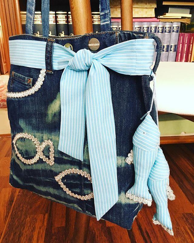 🐟My handmade denim bag with fishes ( for good luck ☺️)🐟Mavi balıklı kot çantam, balık kısmettir. 🐟 Джинсовая сумка  с рыбы за кисмет. 🐟 #denimbag #bag #denim #nowalife #lifestyle #style #fashion #design #creative #makeup #jean #bluejean #fish #çanta #kotçanta #handbag #fabric #sewing #dikiş #dikiştagram #сумка #рыба #джинсы