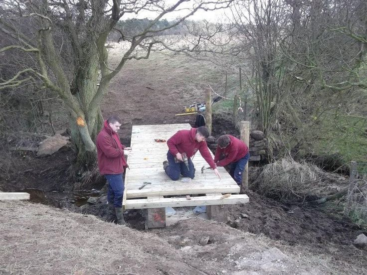 #NorthYorkMoorsNationalPark Apprentices building bridge near #Goathland. #Madebyapprentices