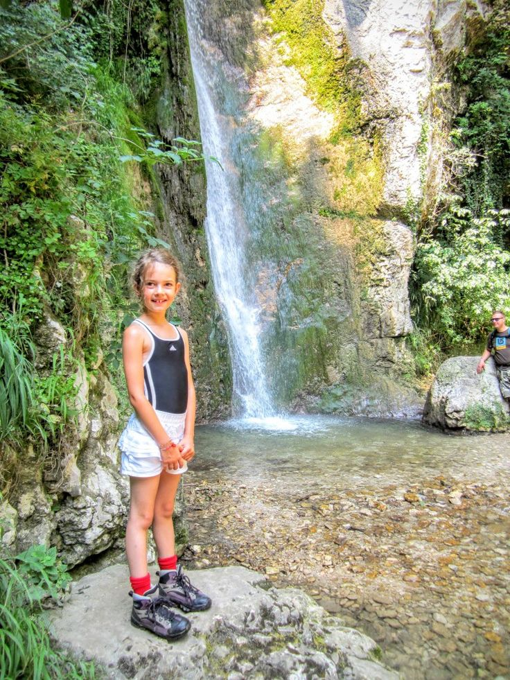 Gardameer met kind - waterval