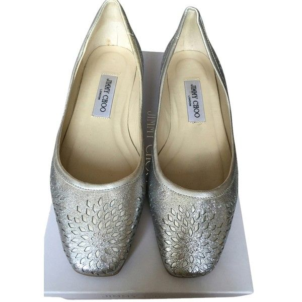 Pre-owned Jimmy Choo Silver Cutout Glitter Ballet Flats ($202) ❤ liked on Polyvore featuring shoes, flats, silver, ballet flats, ballerina pumps, glitter flats, silver shoes and jimmy choo flats