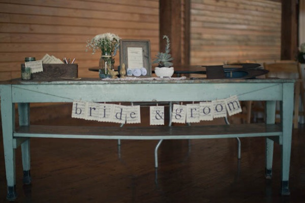 sit at own tableWedding Parties Tables, Dreams, Rustic Wedding Parties, Cute Ideas, Crafts Tables, Rustic Weddings, Engagement Wedding, Craft Tables, Decor Diy