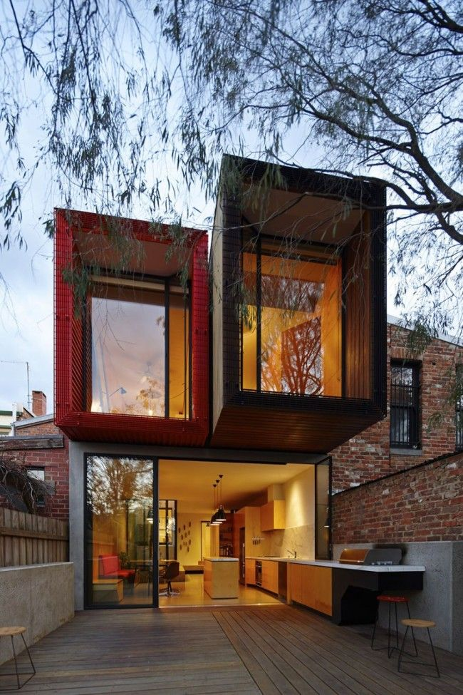 Contemporary Home in Melbourne with a Conserved Japanese Maple Tree