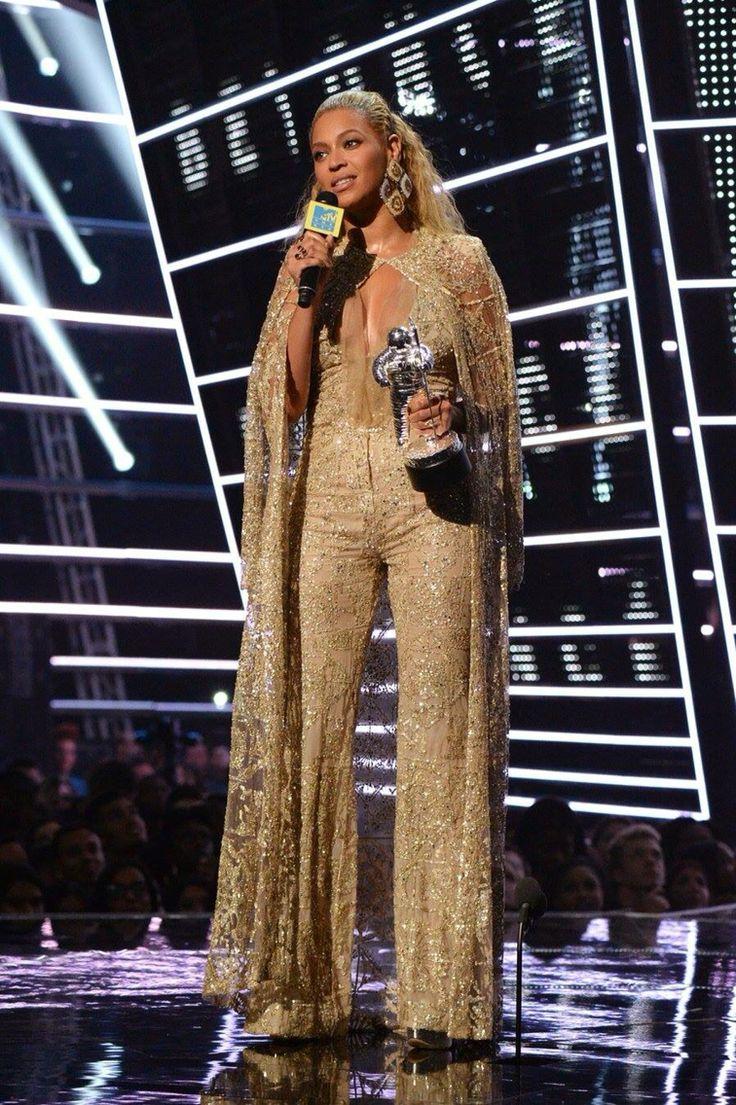 Beyonce VMA's 2016