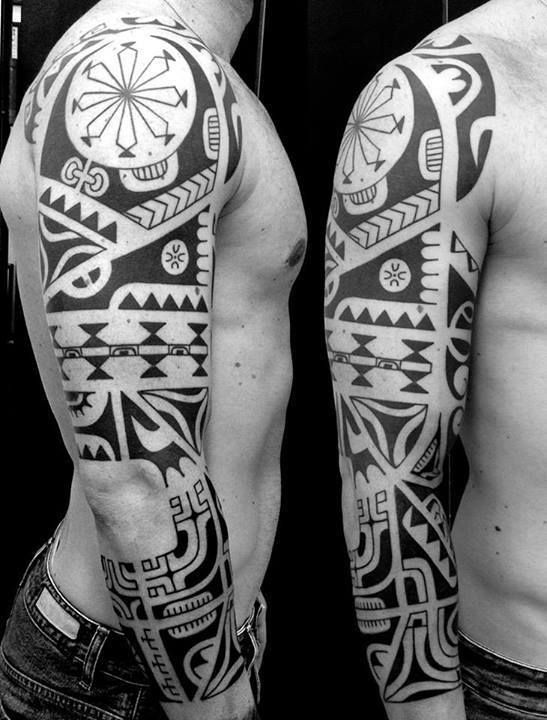 Davide Rajola, more renown as Budda Tattoo, is an Italian artist willing to keep the traditions of Oceania alive.