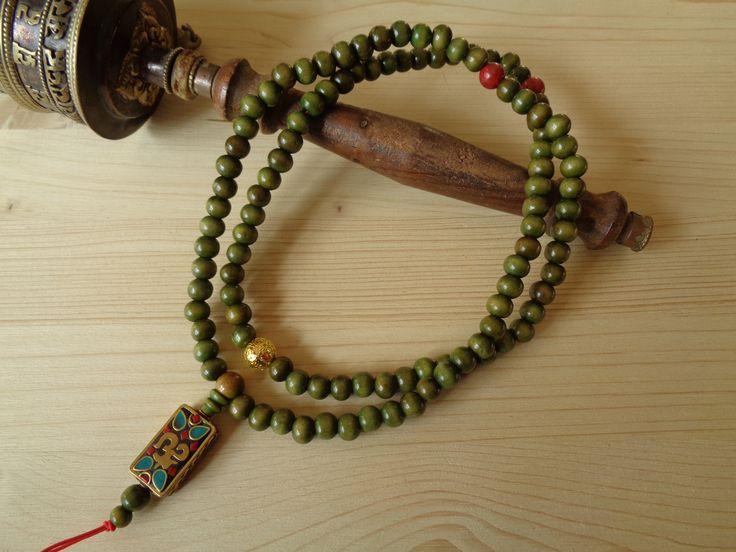 mala 8 - σανταλόξυλο 8mm - μήκος 68cm + 4 cm om - μπορεί να προστεθεί φουντάκι - 22 euro   #μάλα #ομ #mala #om #yoga #108 #beads #sandalwood