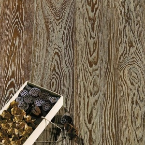 White Gold Dust - Select Oak - brushed. Pavimento in Rovere Polvere Oro Bianco.
