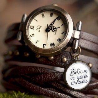 Коричневые кожаные часы