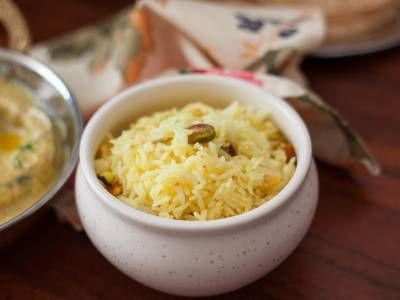 Bengali Holud Mishti Pulao Recipe (Saffron Flavored Rice With Nuts Recipe)