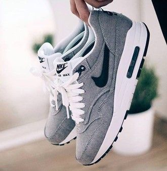 $70 Summer Spring Grey White And Black Nike Air Max Sneakers
