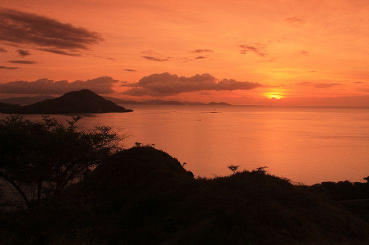 Sunset hunting #Kanawaisland #Flores #Indonesia #Landscape #Adventure #Nature #Beauty