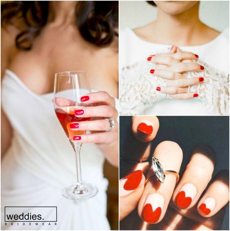 Aşkın ve tutkunun rengi kırmızıyı düğün detaylarınızda kullanmaktan çekinmeyin… ❤️  Don't hesitate to use red, the color of love and passion, in your wedding details…❤️