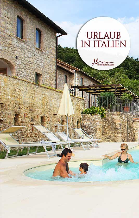 Das Hotel Relais Villa d'Assio ragt, umgeben von den alten Gemäuern der römischen Villa Quinto Assio, prachtvoll aus der wunderschönen Landschaft Latium im Herzen Italiens heraus. Schon von weitem ist das imposante, historische Gebäudeensemble aus dem 18. Jahrhundert zu sehen, das äußerst geschmackvoll zu einem 4-Sterne Hotel umgebaut und mit Sorgfalt renoviert wurde.