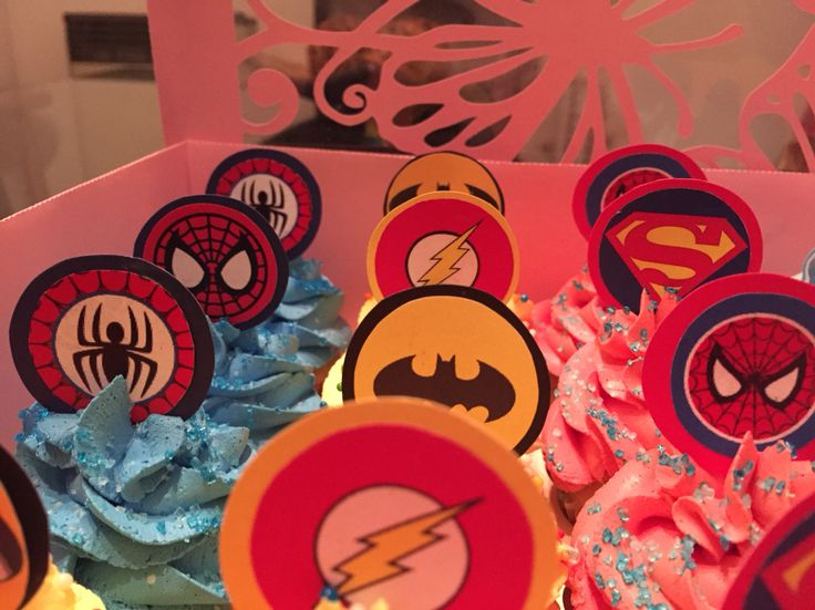 Mini cupcakes #superheroes