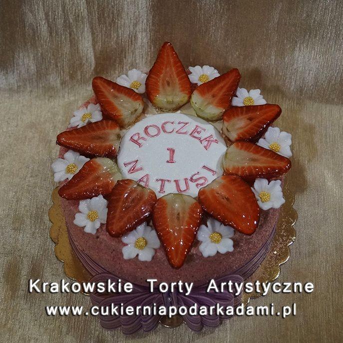 072. Tort z truskawkami i kokosem. Coconut cake with strawberries.