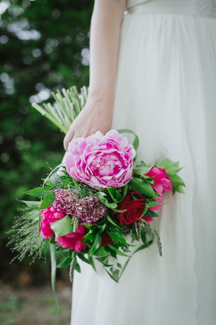 bouquet de mari e pivoine rose et fuschia oeillet bordeau rose gramin es chrysanth me. Black Bedroom Furniture Sets. Home Design Ideas