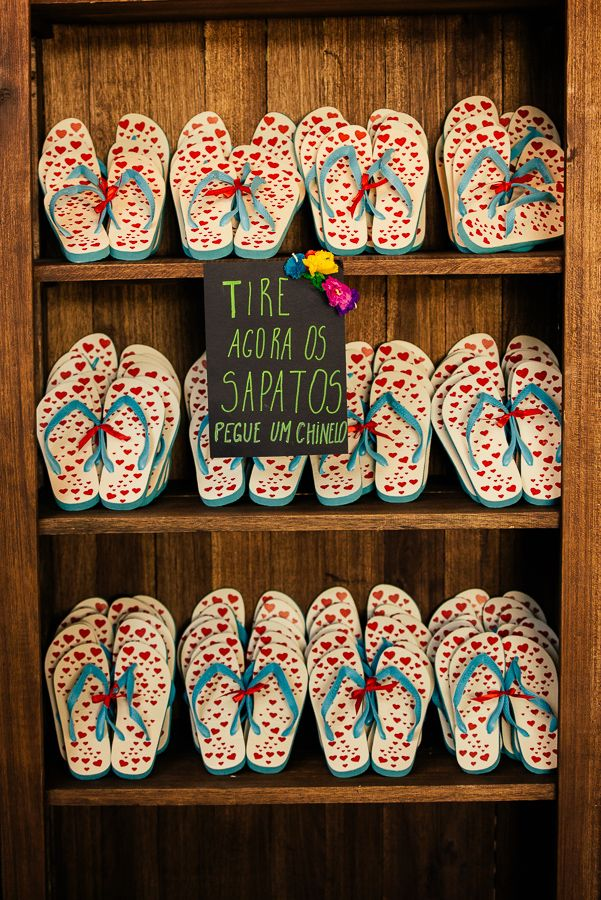 """""""Take off your shoes, put the slippers"""" What about a litle bit of fun at the wedding? Don't forget to ask the size of the feet in the wedding invitation! xD"""