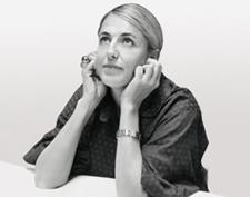 Patricia Urquiola.    Esta española ha sido elegida mejor diseñadora por diversos medios internacionales de comunicación. Es una estrella en los salones del mueble y tiene un éxito comparable con las lámparas y tejidos.