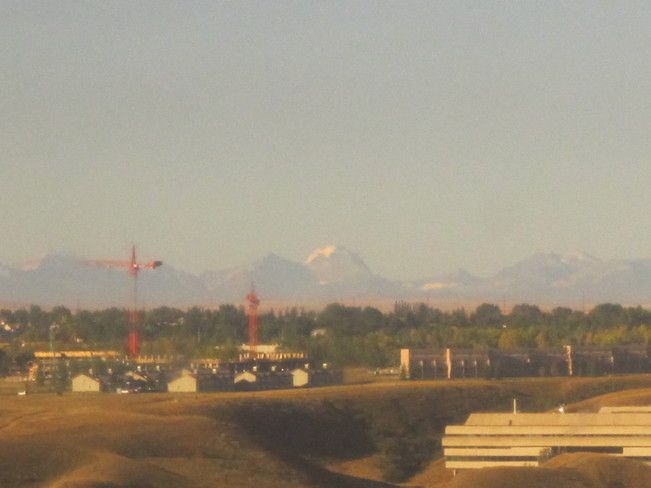Wow...you can see the mountains on a clear day....beautiful!!!!