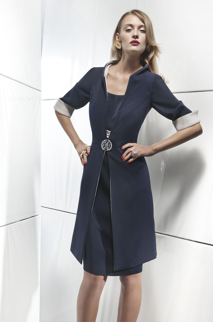 #donna #moda #luxury #embroidery #model #lookbook #italianstyle #cocktaildress #dress #elegant #couture #fashion #altamoda #exclusive #boutique #madeinitaly