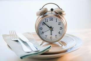 Chudnite v spánku: Ako cez deň jesť, aby ste v noci spaľovali tukové zásoby?