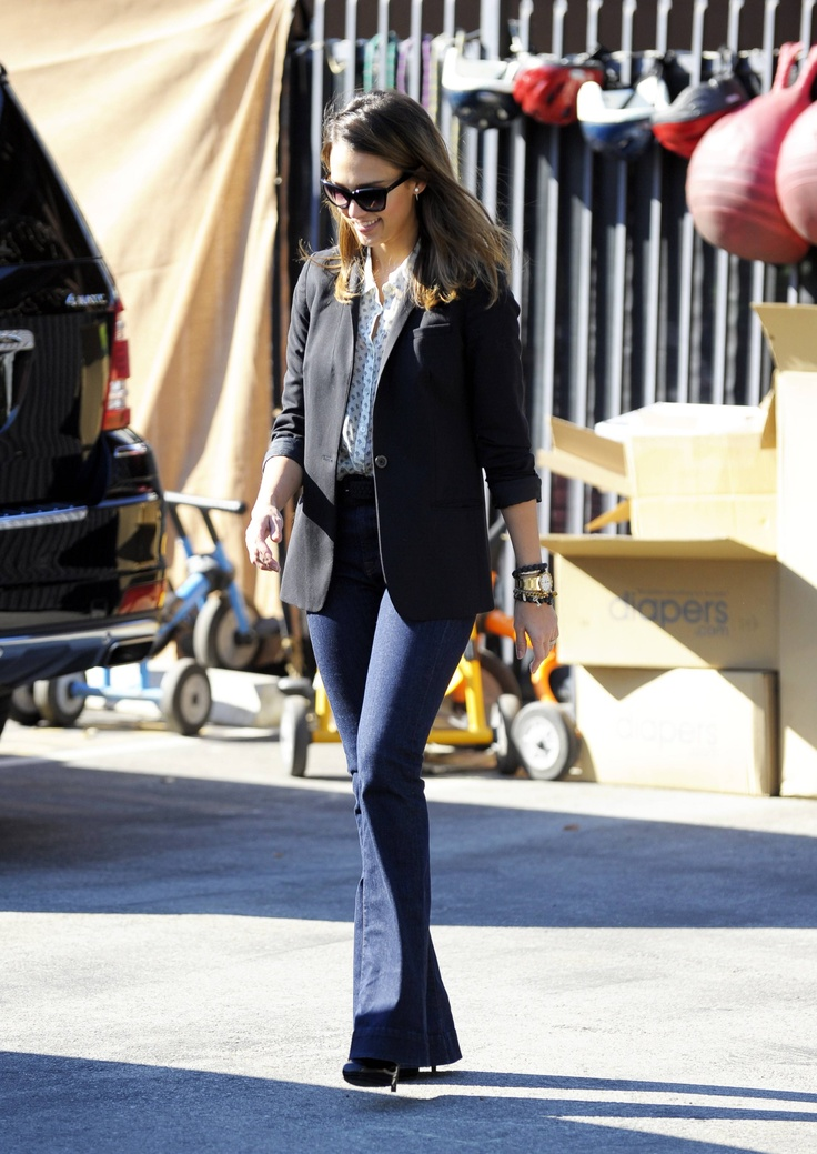 Check out photos of Jessica Alba's maternity style on Wonderwall: http://on-msn.com/oMleux