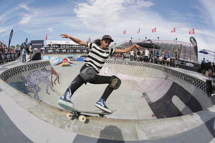 @vansskate x @vansgirls rider @lizziearmanto absolutely RIPPED at the #vansusopen! Big ups for the 2nd place!  Peek the fresh Navy #Sk8Hi's that she was rocking available in-store or online.  http://ift.tt/2abGPOK  #csskateshop x #throwbackthursday @vans x @vans_za #vans x #vansgirls