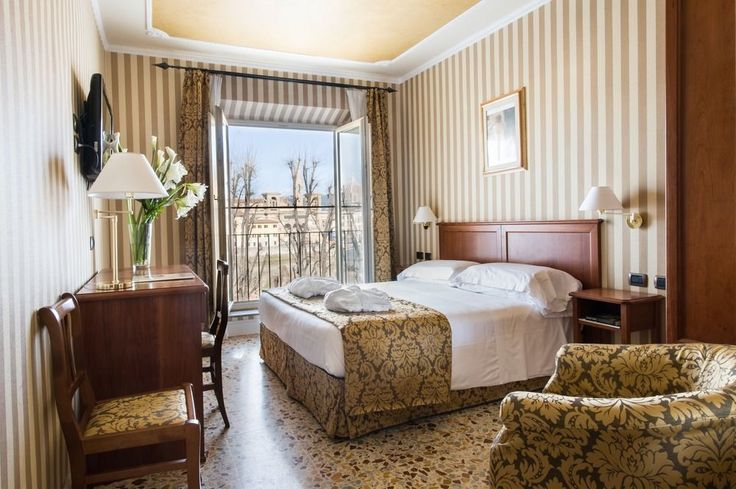 Hotel Silla - Hotels.com - Deals & Discounts for Hotel Reservations from Luxury Hotels to Budget Accommodations