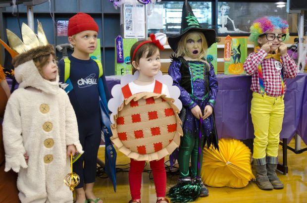 Southwest Community Center hosts Monster Mash, an evening of spooktastic family fun (Photos) | OregonLive.com