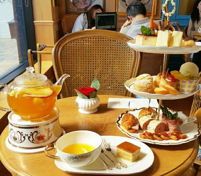 Tea Time- Annivita