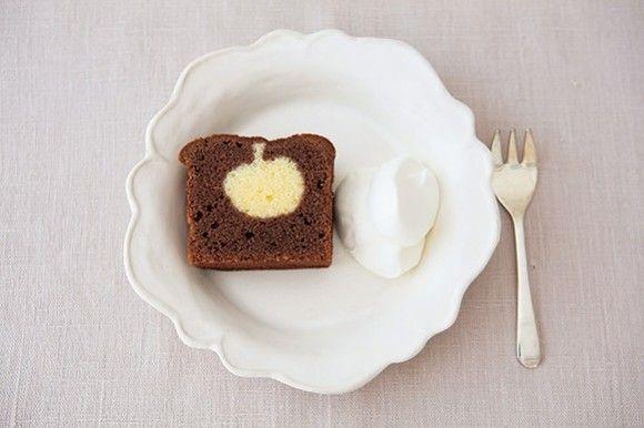 【手作りケーキ】切ると歓声「りんご模様のココアケーキ」クリスマスにいかが? 画像(1/) 普通のココアケーキ? いえいえ、切ってびっくり! キュートな「りんご模様」が登場