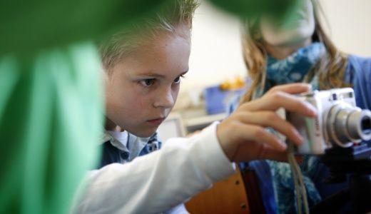 primair onderwijs   EYE Bij EYE kunnen kinderen op verschillende niveaus kennismaken met film. EYE verzorgt ook gastlessen over filmeducatie!
