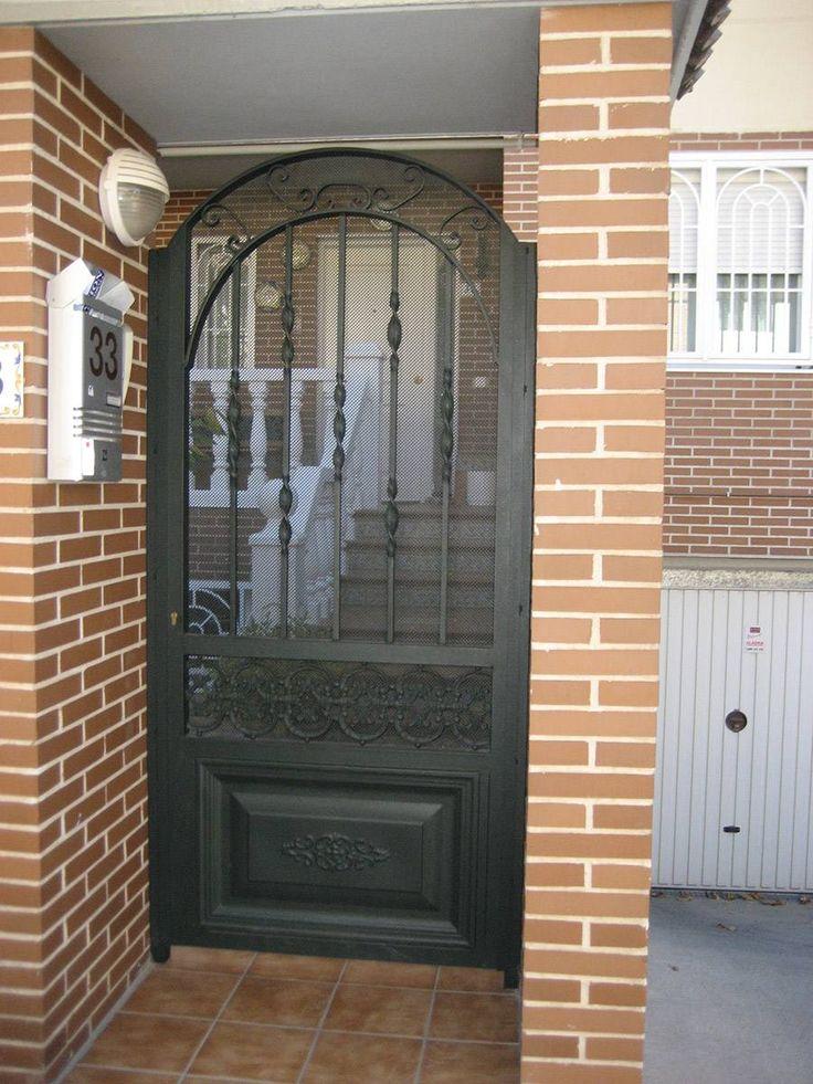 M s de 1000 ideas sobre puertas de hierro en pinterest for Puertas hierro forjado